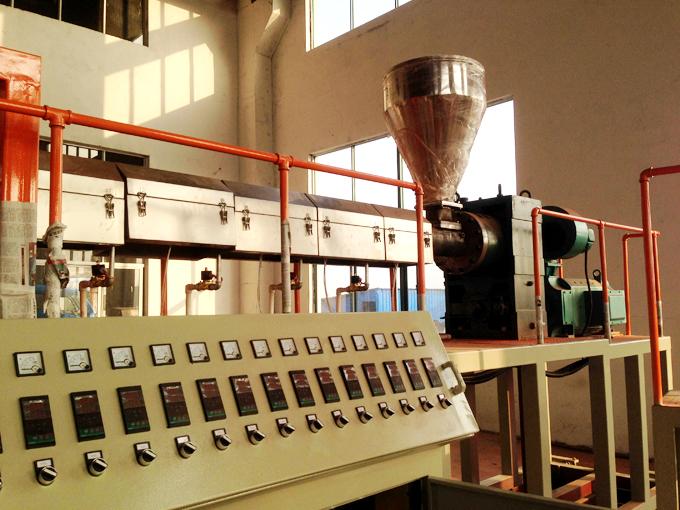 淋膜机生产厂家介绍涂膜机的优势